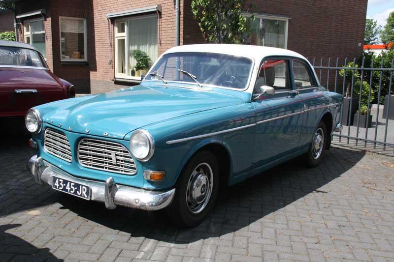 Afbeeldingsresultaat voor Volvo P 121 donkerblauw